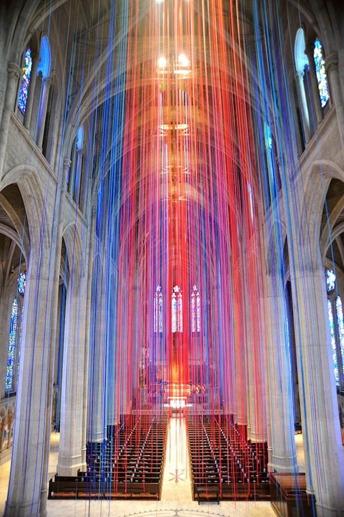 Catedrala impodobita cu 1.000 de panglici - Poza 1