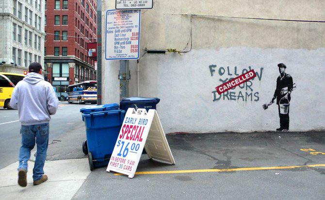 Anonimus de secol 21: Banksy - Poza 15