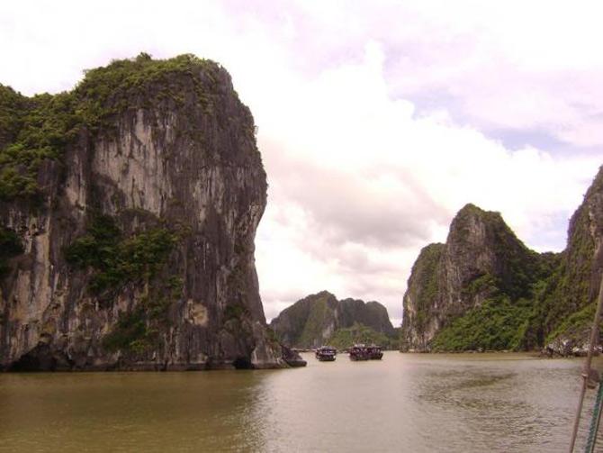 Croaziera prin Ha Long Bay, Vietnam - Poza 3
