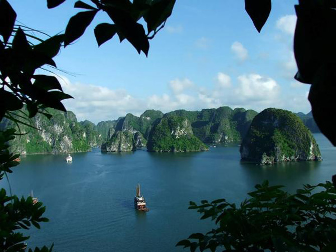 Croaziera prin Ha Long Bay, Vietnam - Poza 12