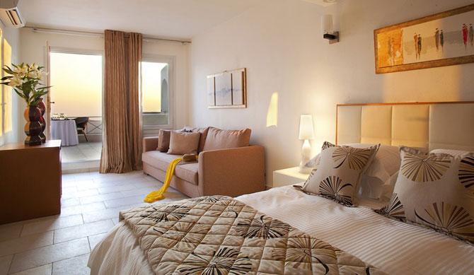Boutique hotel chic la Santorini - Poza 2