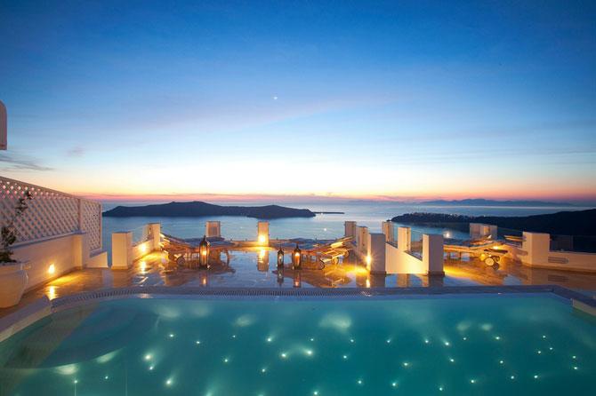 Boutique hotel chic la Santorini - Poza 13