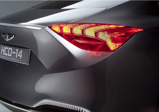 Un Hyundai de lux la Detroit - Poza 4