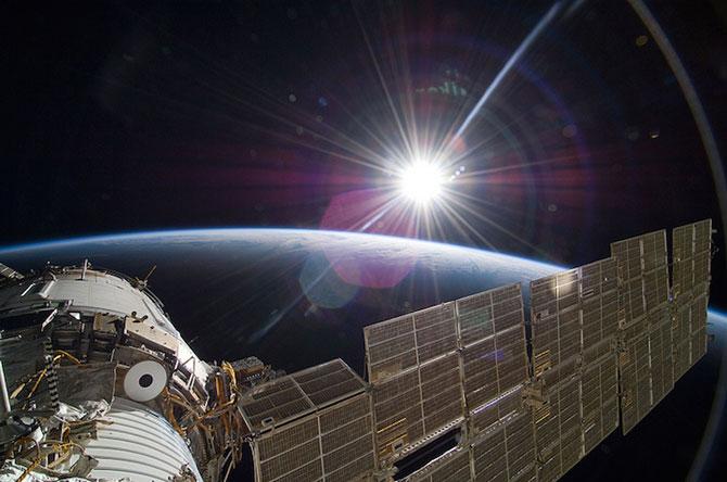 Spatiul cosmic, fotografiat de astronautii NASA - Poza 2
