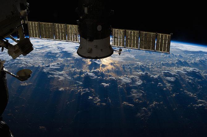 Spatiul cosmic, fotografiat de astronautii NASA - Poza 5