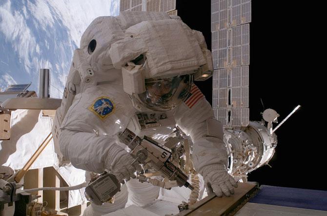 Spatiul cosmic, fotografiat de astronautii NASA - Poza 9