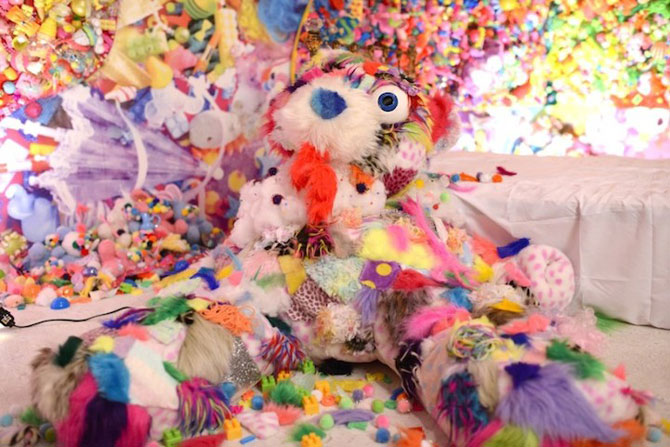 Camera multicolora, de Sebastian Masuda - Poza 5