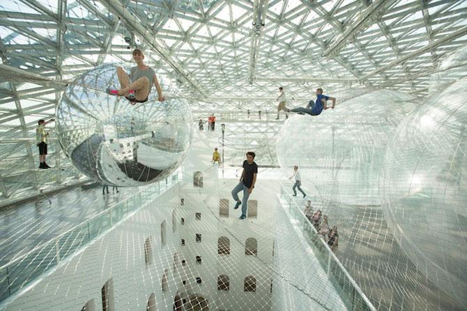 Panza de paianjen pentru oameni, la Dusseldorf - Poza 1