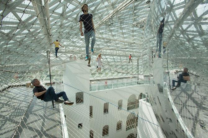 Panza de paianjen pentru oameni, la Dusseldorf - Poza 3