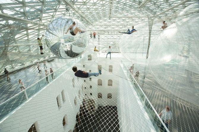 Panza de paianjen pentru oameni, la Dusseldorf - Poza 5