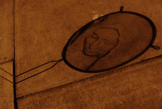 Arta, strecuratori si eclipsa, de Isaac Cordal - Poza 3