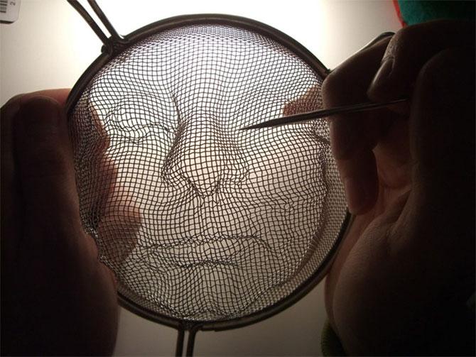 Arta, strecuratori si eclipsa, de Isaac Cordal - Poza 10