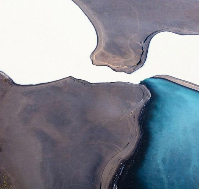 Peisaje islandeze fotografiate din varf de aripa - Poza 3