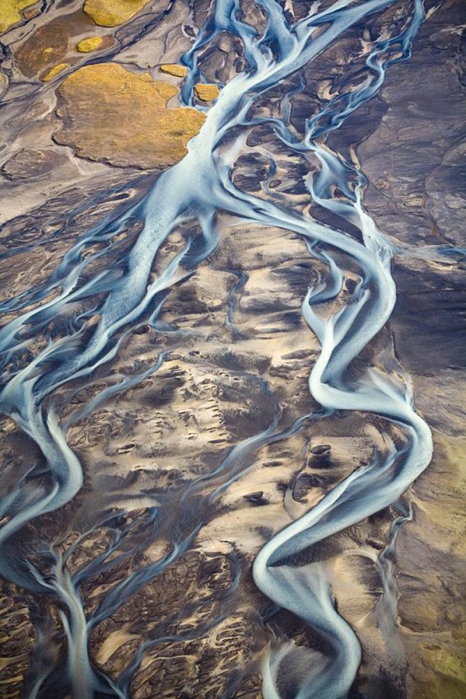 Peisaje islandeze fotografiate din varf de aripa - Poza 4