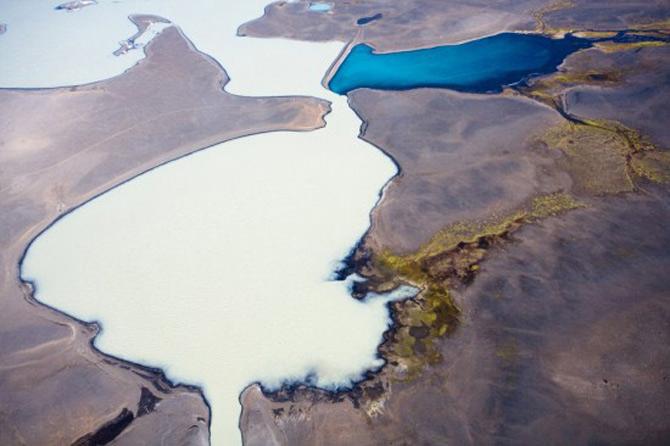 Peisaje islandeze fotografiate din varf de aripa - Poza 9