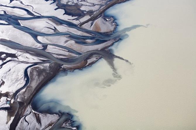 Peisaje islandeze fotografiate din varf de aripa - Poza 17