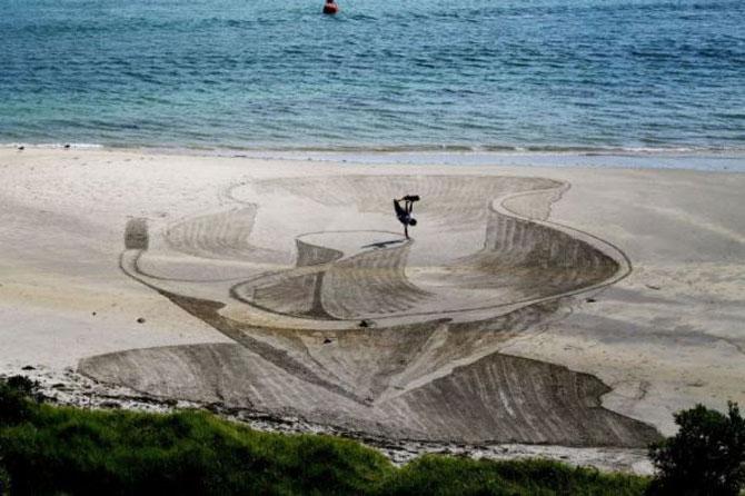 Picturi 3D pe nisip, de Jamie Harkins - Poza 3