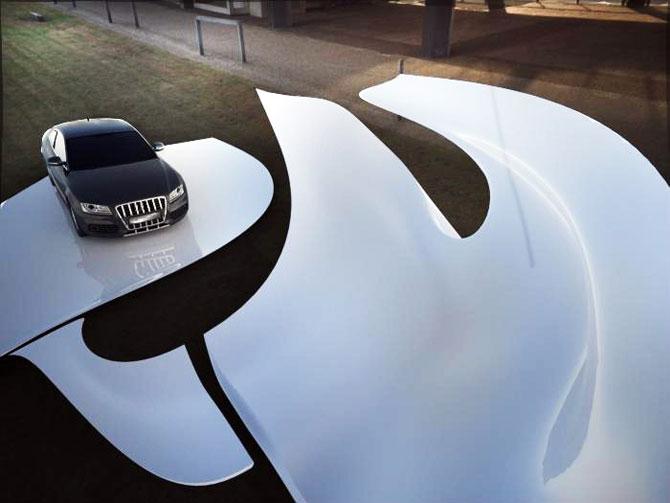 Masina ca opera de arta, sculptura ca loc de parcare, de Juraj Rattaj - Poza 2