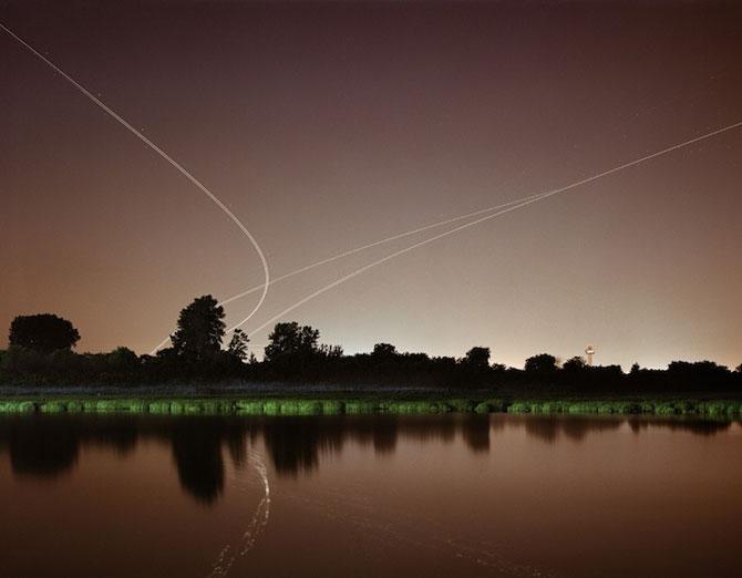 Avioanele deseneaza cu lumina pe cer - Poza 8