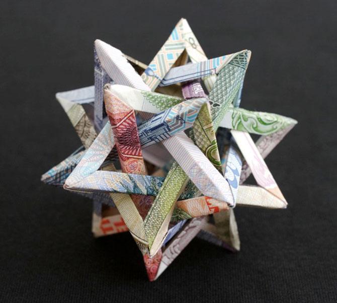 Sculpturi numismatice: flori, stele si copii de Kristi Malakoff - Poza 2