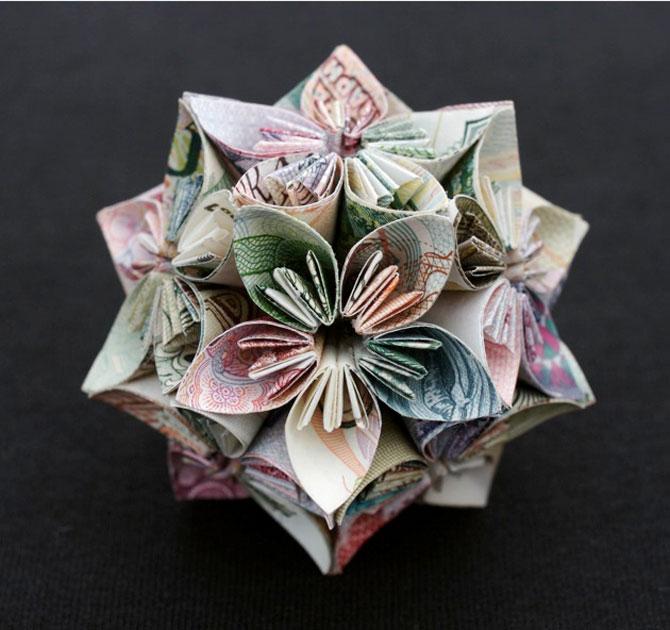 Sculpturi numismatice: flori, stele si copii de Kristi Malakoff - Poza 3