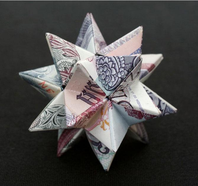 Sculpturi numismatice: flori, stele si copii de Kristi Malakoff - Poza 4