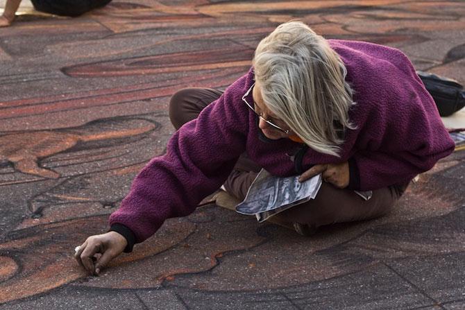 Fresca pe asfalt in 3D, de Kurt Wenner - Poza 3