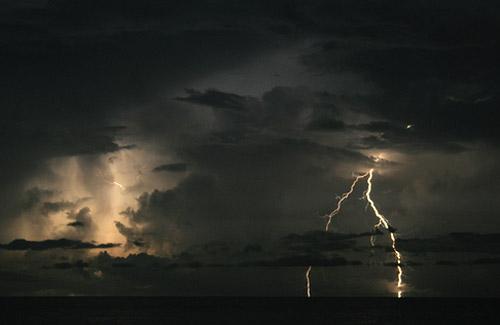 Sa fie lumina! Sau fulgere... - Poza 16