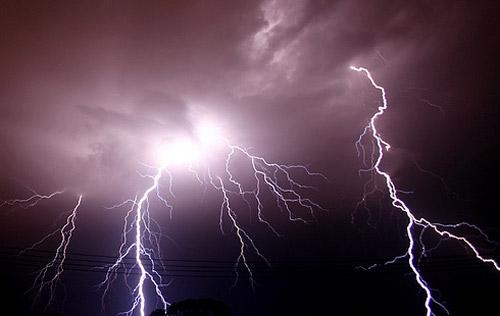 Sa fie lumina! Sau fulgere... - Poza 24