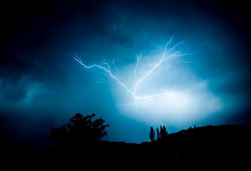 Sa fie lumina! Sau fulgere... - Poza 26