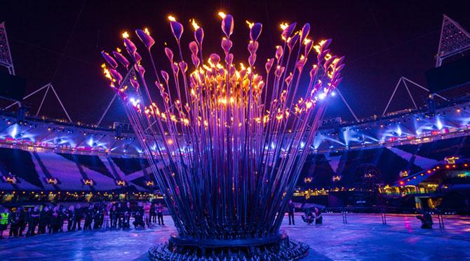 Cazanul Flacarii Olimpice - Papadia lui Thomas Heatherwick - Poza 3