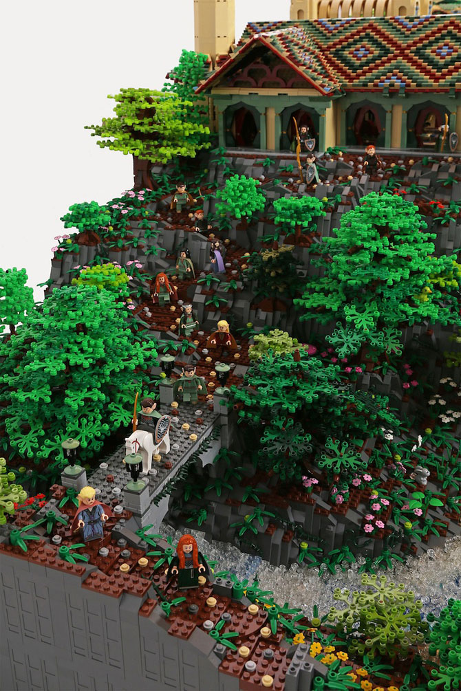 Rivendell din Lord of the Rings, din 200,000 de piese LEGO - Poza 2