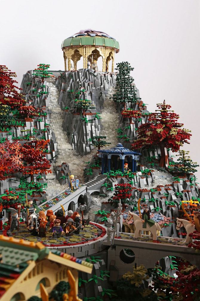 Rivendell din Lord of the Rings, din 200,000 de piese LEGO - Poza 5