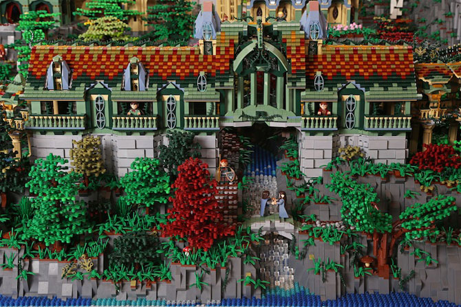 Rivendell din Lord of the Rings, din 200,000 de piese LEGO - Poza 7