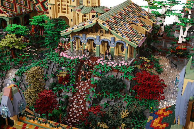 Rivendell din Lord of the Rings, din 200,000 de piese LEGO - Poza 9