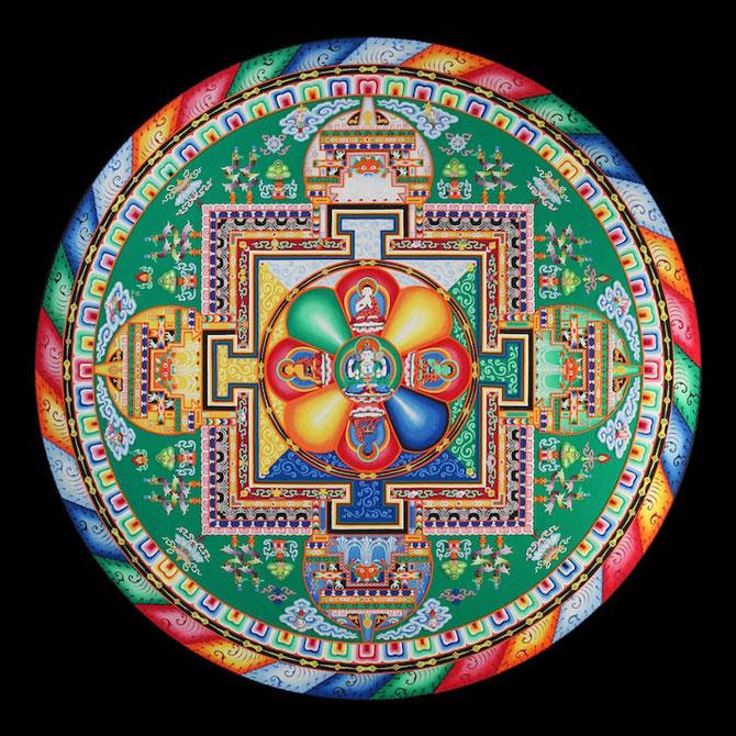 Calugarii tibetani creeaza mandale din nisip - Poza 9