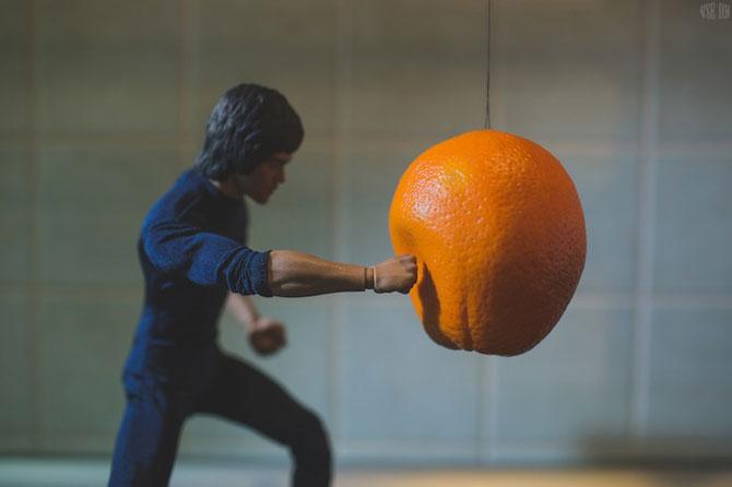 Bruce Lee pregateste un mic-dejun sanatos - Poza 1