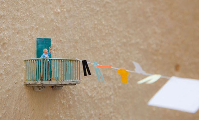 Atentie unde calci! Slinkachu invadeaza Londra - Poza 10