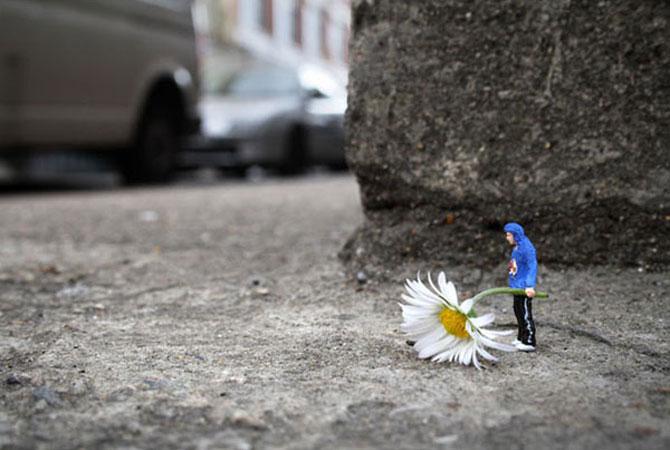 Atentie unde calci! Slinkachu invadeaza Londra - Poza 19