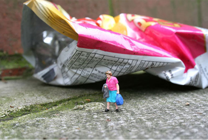 Atentie unde calci! Slinkachu invadeaza Londra - Poza 22