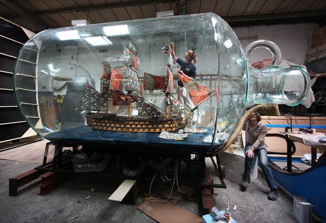 Barca intr-o damigeana - Poza 1