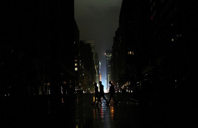Uraganul Sandy a cufundat New Yorkul in bezna - Poza 1