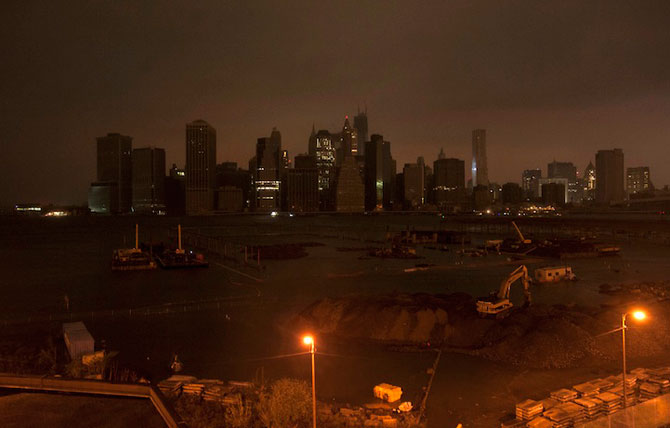 Uraganul Sandy a cufundat New Yorkul in bezna - Poza 4