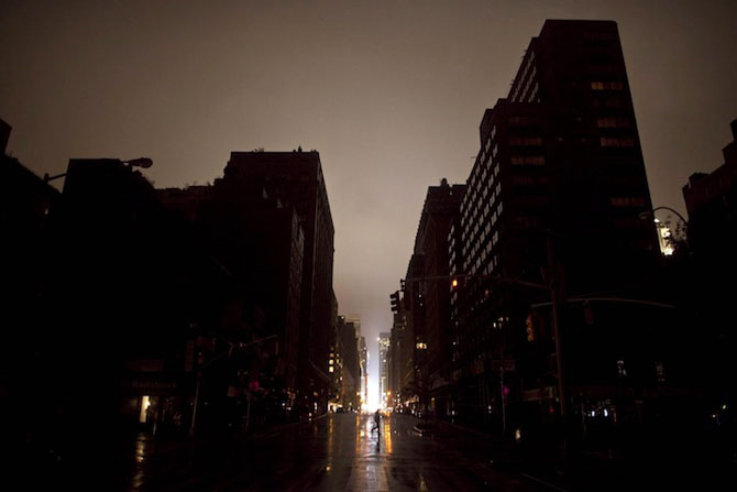 Uraganul Sandy a cufundat New Yorkul in bezna - Poza 5
