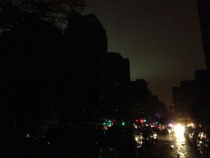 Uraganul Sandy a cufundat New Yorkul in bezna - Poza 9