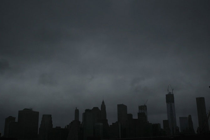Uraganul Sandy a cufundat New Yorkul in bezna - Poza 11