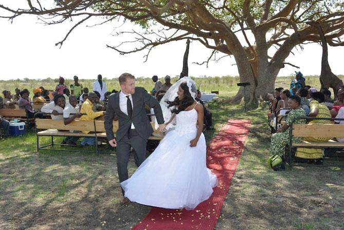 Nunta-safari, calare pe elefanti - Poza 6