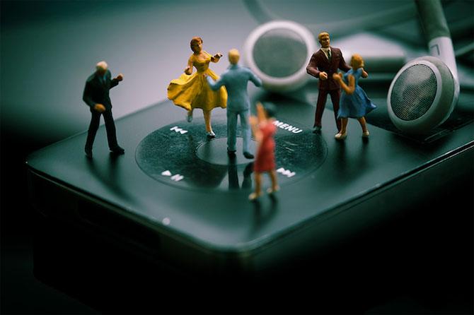 O lume mult mai mica, de Jean-Joseph Renucci - Poza 10