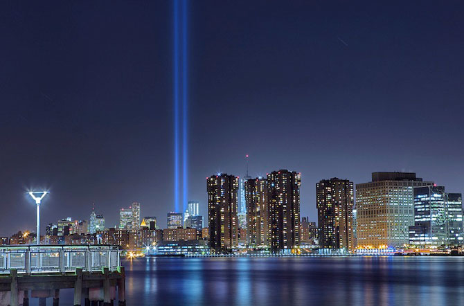 In memoriam luminos pentru 11 septembrie - Poza 1