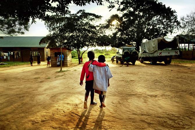 Povestea orfanilor dansatori din Uganda, spusa de Doug Menuez - Poza 4